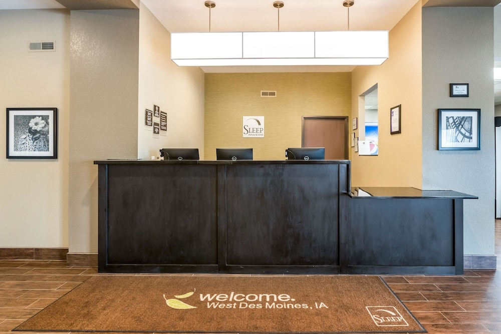 Lobby, Sleep Inn & Suites West Des Moines near Jordan Creek