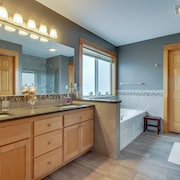 Surf pines rileas rest 2018 room prices deals reviews expedia in room kitchen sciox Gallery