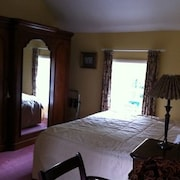 Kilmaneen Farmhouse Bed & Breakfast