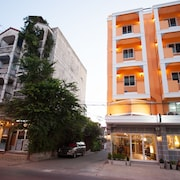 Hoppers Place Donmuang Hostel