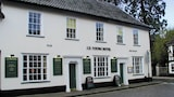 JD Young Hotel - Harleston Hotels