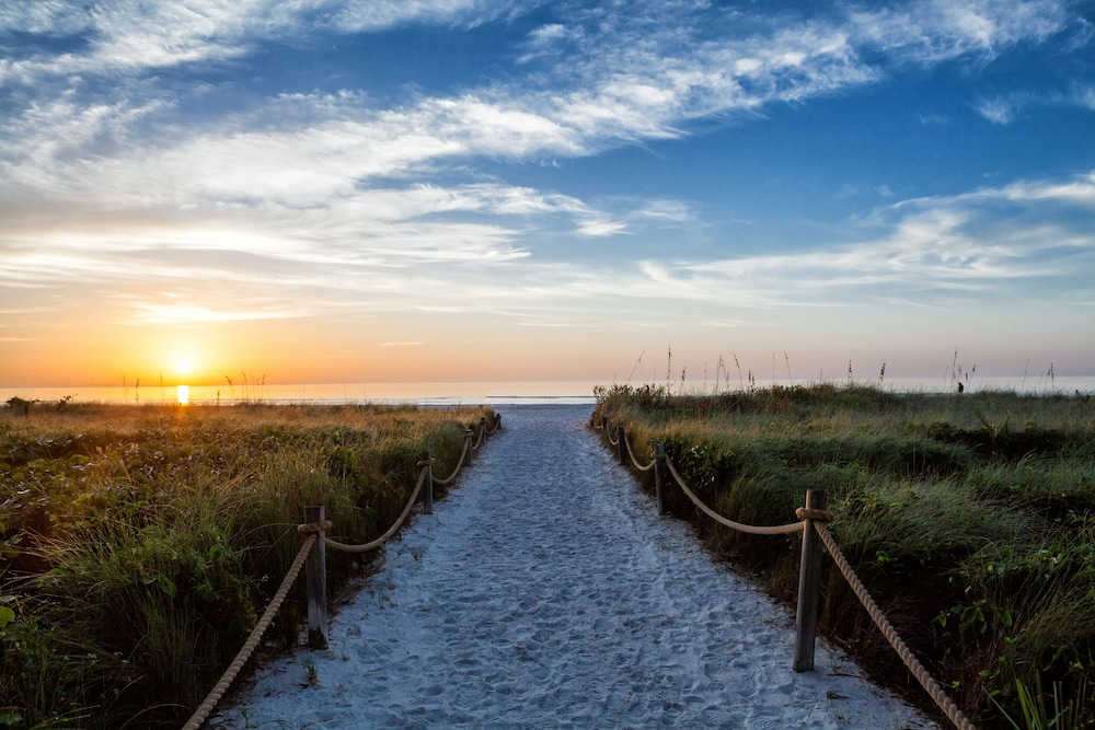 Sanibel Island Hotels: Sanibel Island Beach Resort: 2019 Room Prices $159, Deals