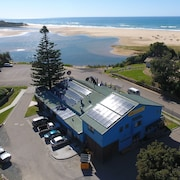 The Waterwheel Beach Cabins - Caravan Park