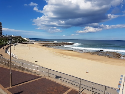 Newcastle Short Stay Apartments - Sandbar Townhouse