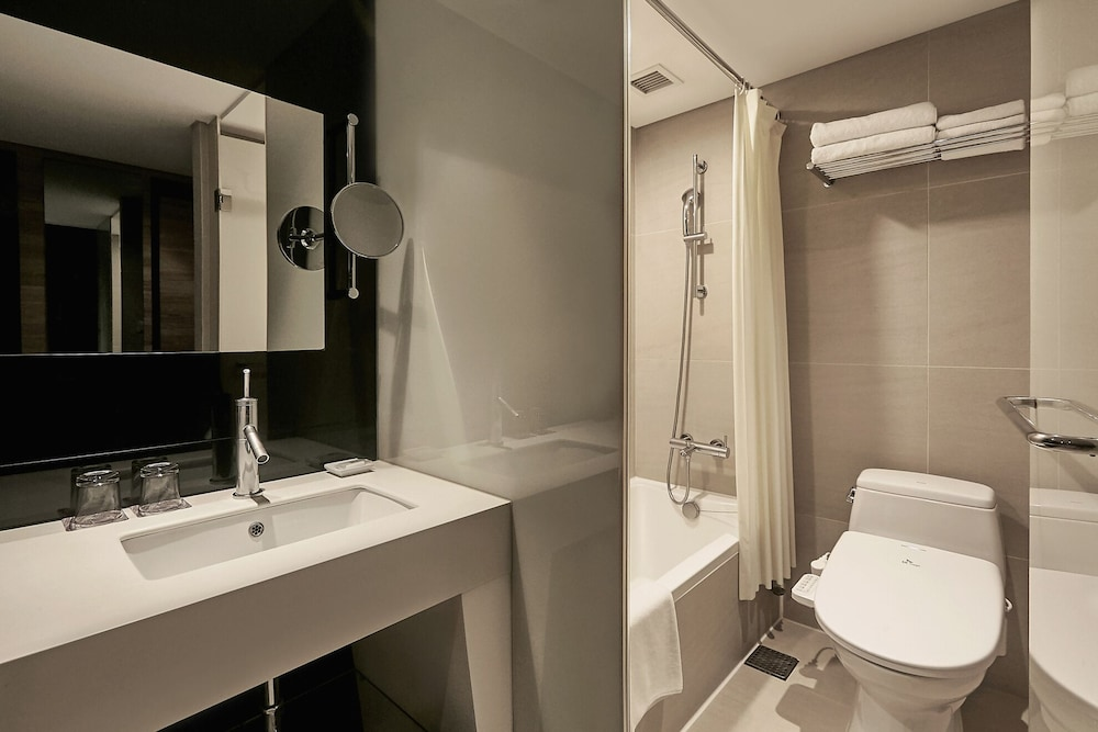 Bathroom, Grand Walkerhill Seoul