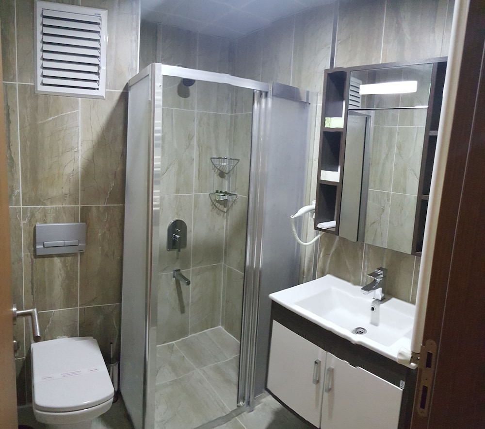 Bathroom, Umur Hotel