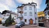 Apartment 4 Holiday - Residence Castel - Ortisei Hotels