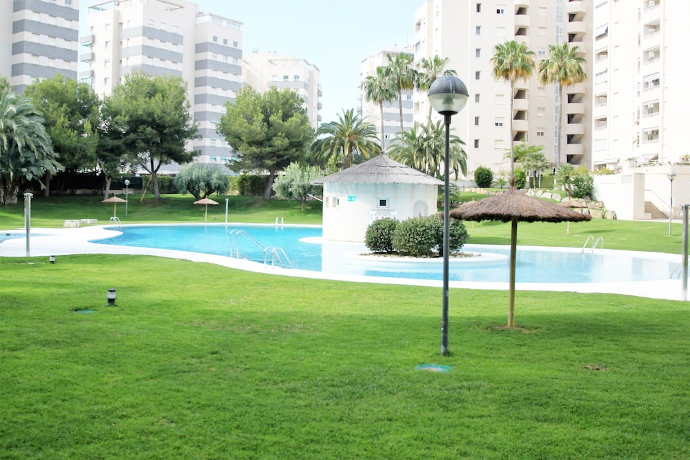 Apartamento casaturis jardines del mar alicante spagna for Apartamentos jardines del mar