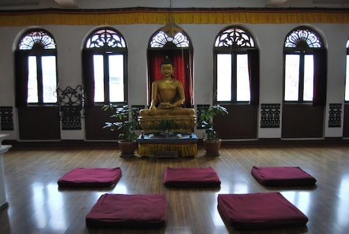 Bouddha Inn Meditation Center
