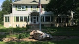 Hallett House Bed & Breakfast - Deerwood Hotels