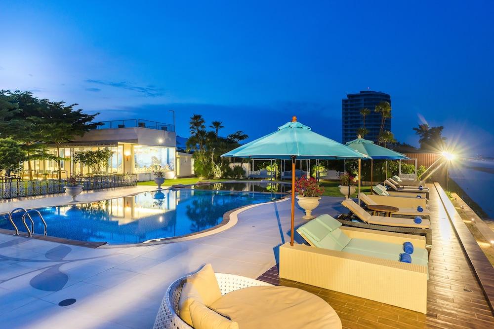 My vimarn hua hin hua hin thailand expedia for Terrace 90 hua hin