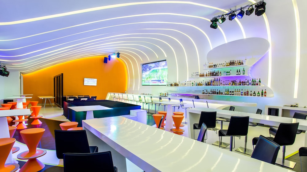 Sports Bar, Temptation Cancun Resort  - All Inclusive- Adults Only