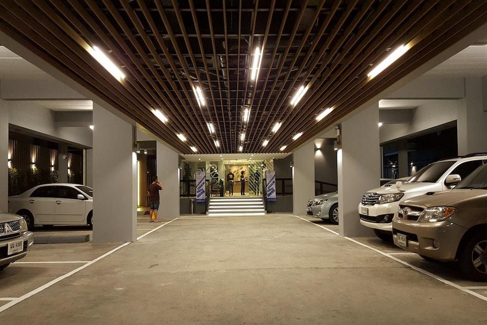 Ploen place residence deals reviews pattaya tha wotif for Hotel parking design
