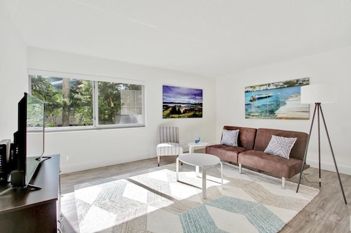 Sunny 1BR in Coconut Grove by Sonder