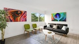 Vibrant 1BR in Coconut Grove by Sonder - Miami Hotels