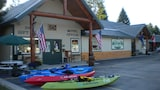 Lakeside Resort and Motel - Trout Creek Hotels