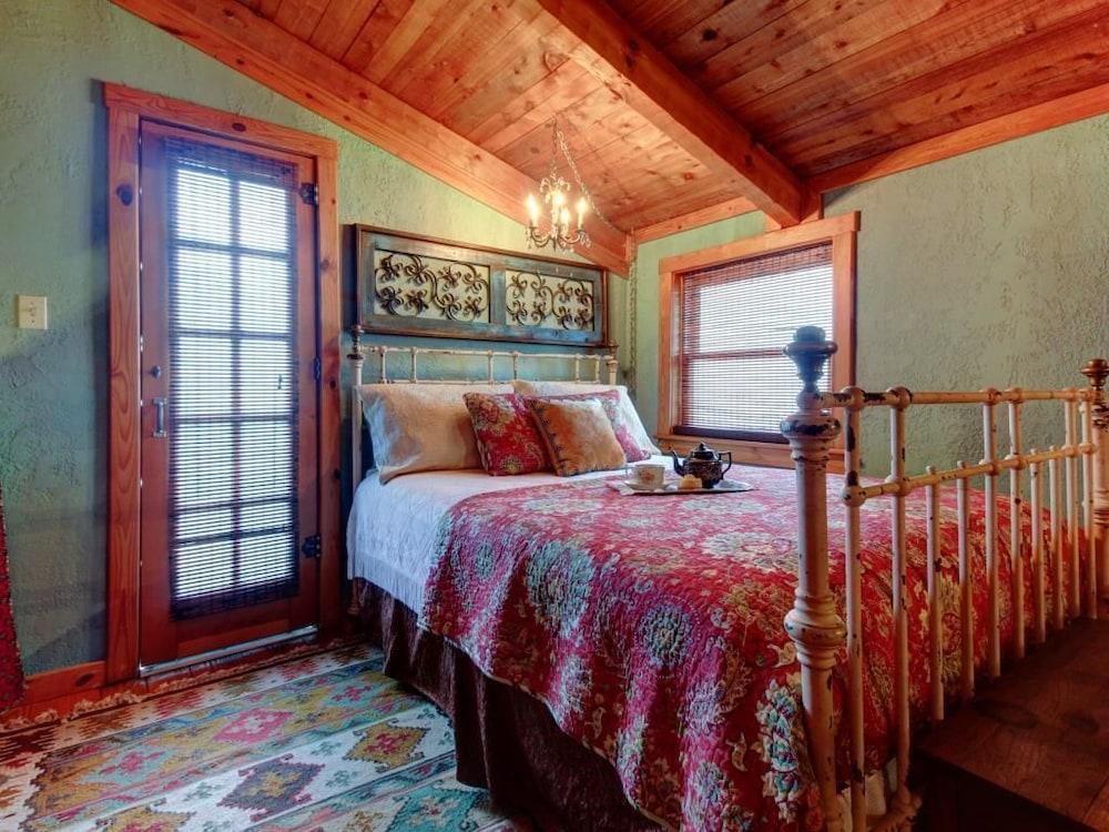 ... 1 Bedroom   Guestroom ...
