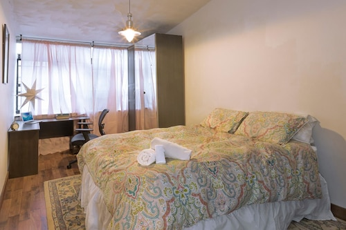 Check Expedia for Availability of NY072 2 Bedroom Apartment By Senstay