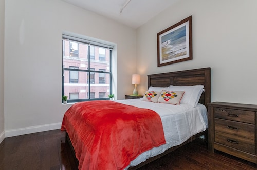 Great Place to stay BOS003 2 Bedroom Apartment By Senstay near Boston