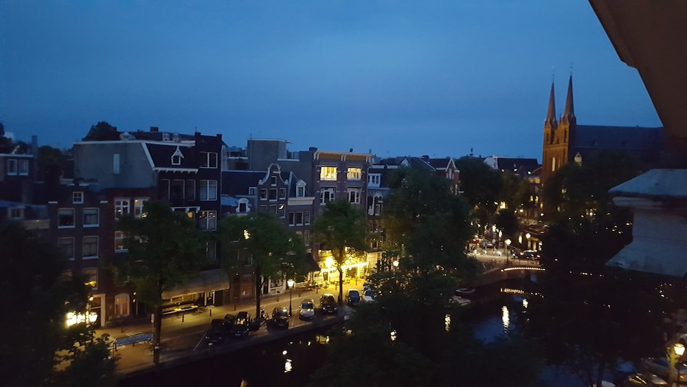 View from Property, Suites aan de Singel