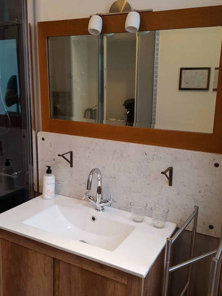 Bathroom Sink, Suites aan de Singel