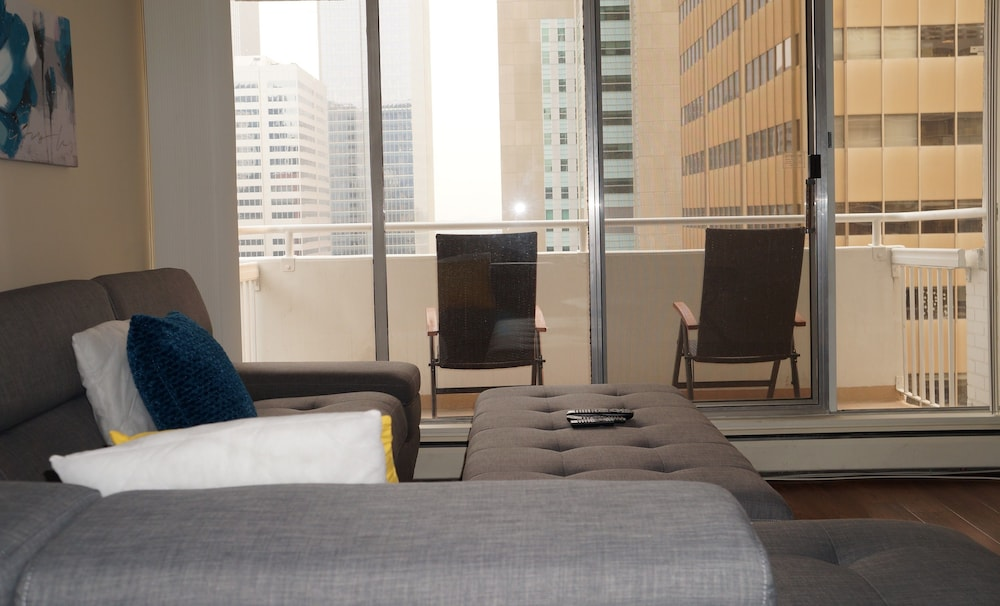 Newtel suites calgary canada for Appart hotel 2 chambres bruxelles