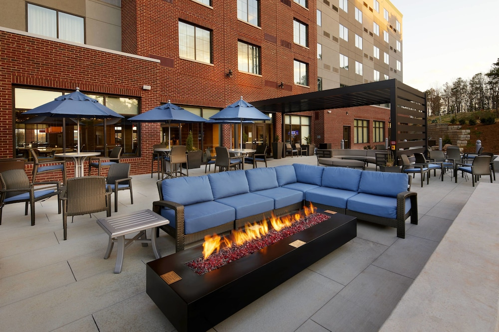 Terrace/Patio, Courtyard by Marriott Charlotte Fort Mill, SC