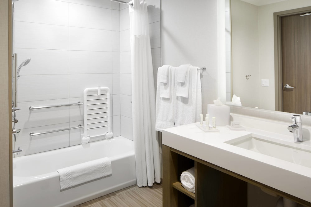 Bathroom, Courtyard by Marriott Charlotte Fort Mill, SC