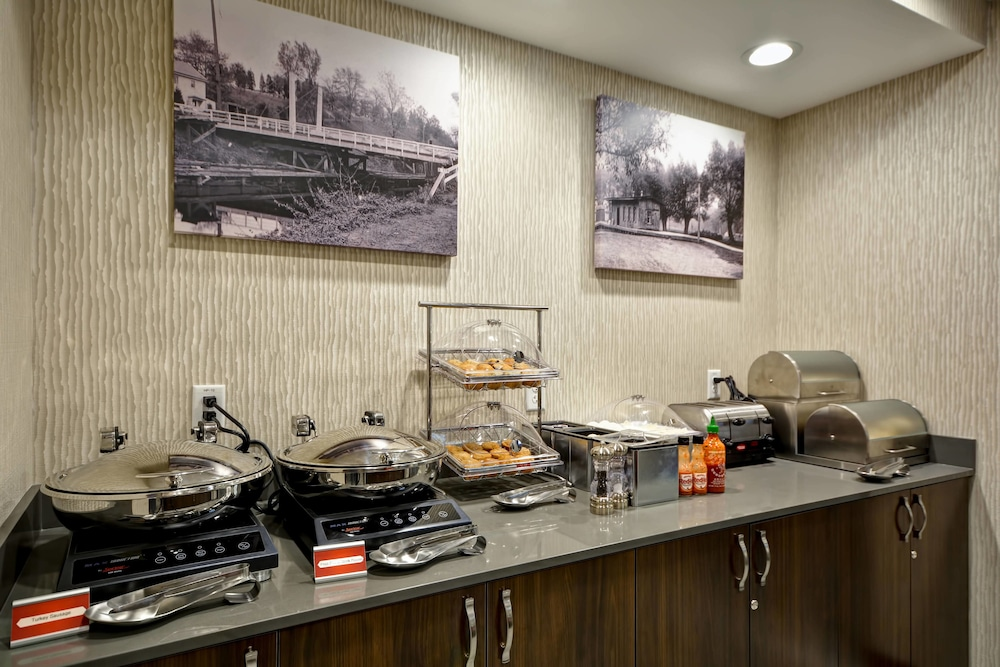 Restaurant, Towneplace Suites Cranbury South Brunswick