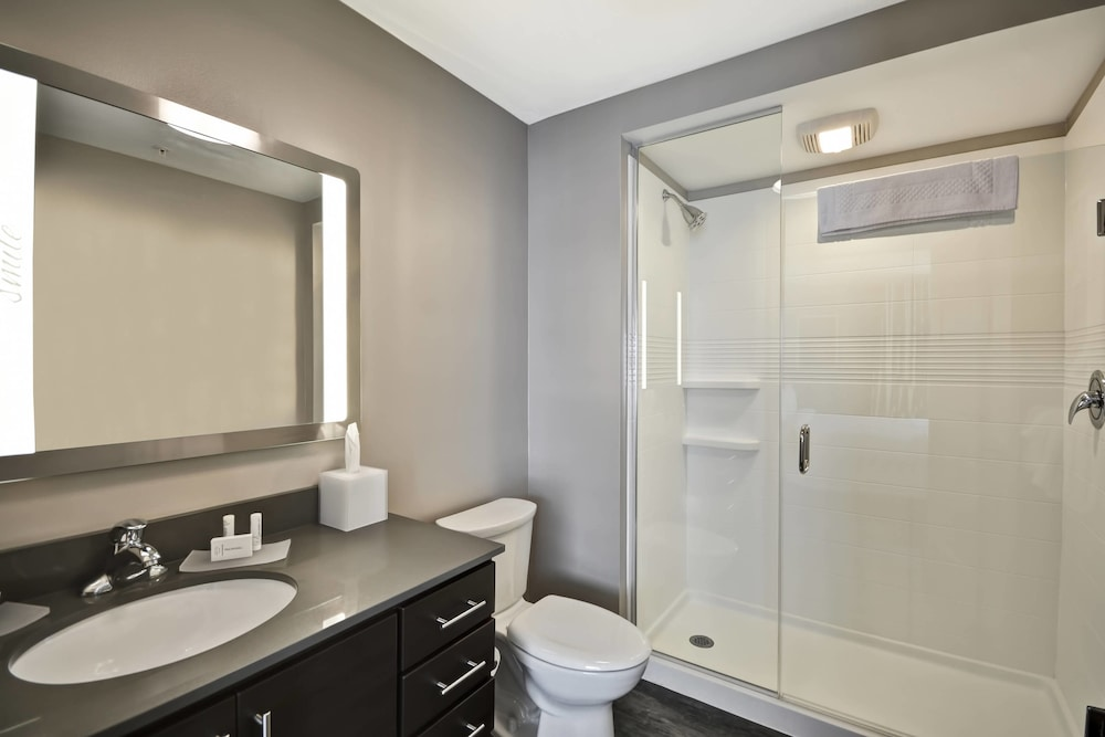 Bathroom, Towneplace Suites Cranbury South Brunswick