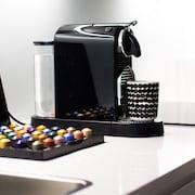 Kahvinkeittomahdollisuus huoneessa