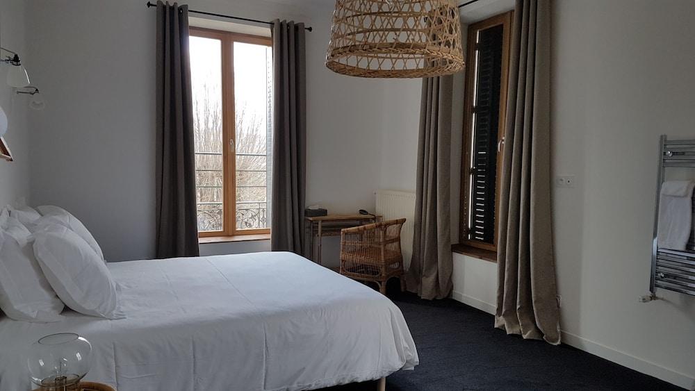 Hotel Saint Paul En Jarez
