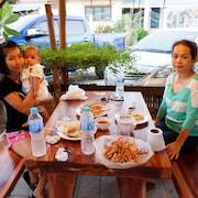 การรับประทานอาหารสำหรับครอบครัว