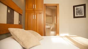 Premium bedding, iron/ironing board, free cots/infant beds, free WiFi