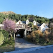 Greenstone Lodge Queenstown Holiday Home