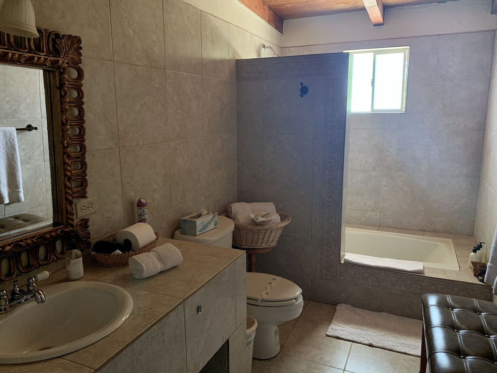 Bathroom, Rancho El Parral