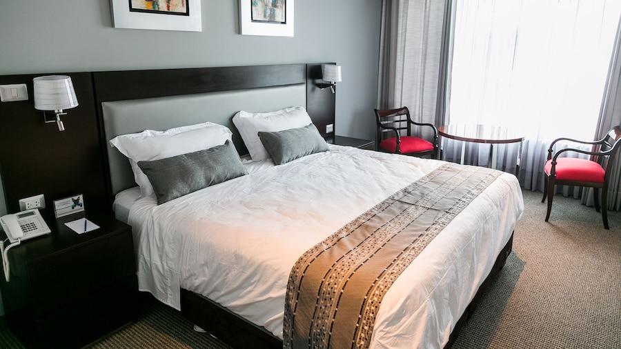 Petit Palace Apart Hotel Suites