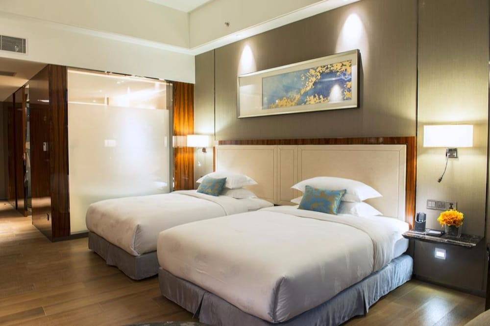 Forest City Phoenix International Marina Hotel Gelang Patah Mys Aarp Travel Center