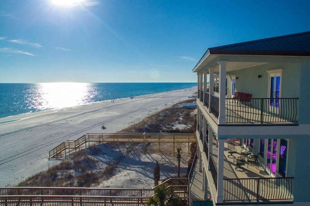 Beach, 5 O'Clock Somewhere 8 Bedroom Holiday Home by Five Star Properties