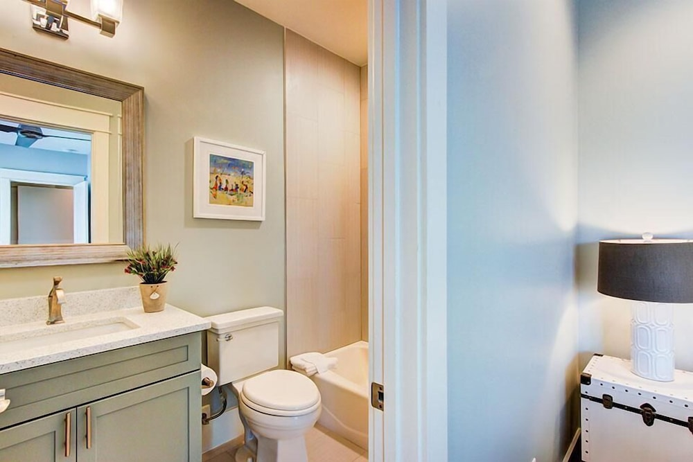 Bathroom, 5 O'Clock Somewhere 8 Bedroom Holiday Home by Five Star Properties