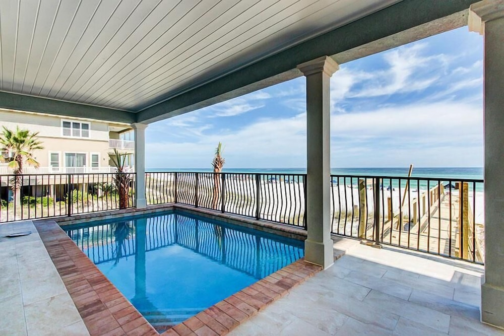 Rooftop Pool, 5 O'Clock Somewhere 8 Bedroom Holiday Home by Five Star Properties
