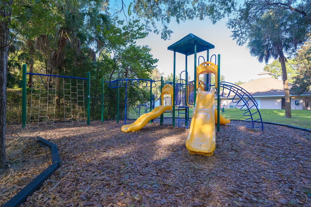Children's Play Area - Outdoor, Rock Crusher Canyon RV Park