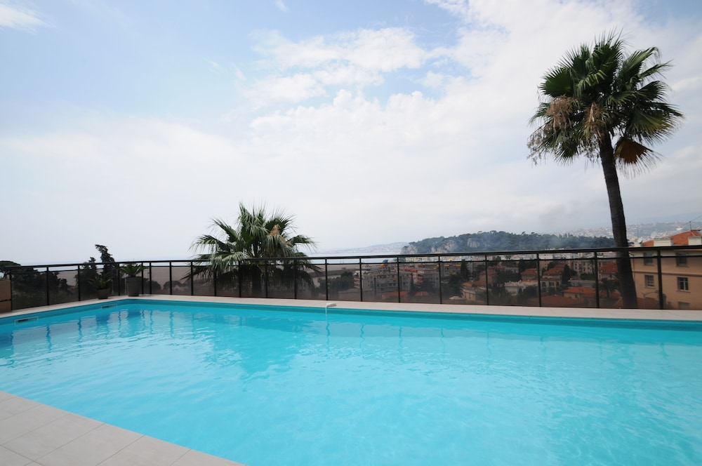 Le baccarat nice france - Hotel avec piscine nice ...