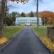 Maple Springs Lake Side Inn