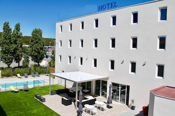 Brit Hotel Confort - Welcome Hotel Martigues