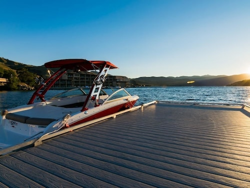 Lake Chelan Shores Rowboat Serenity 17 9