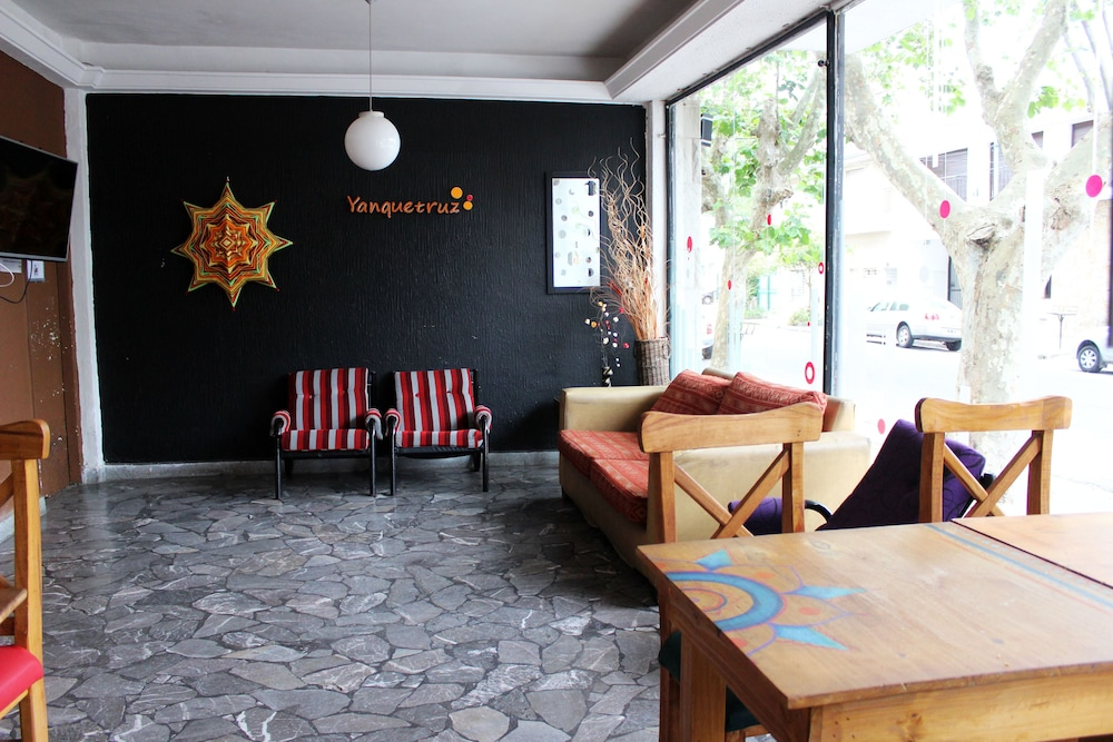 Interior, Yanquetruz Hostel Suite