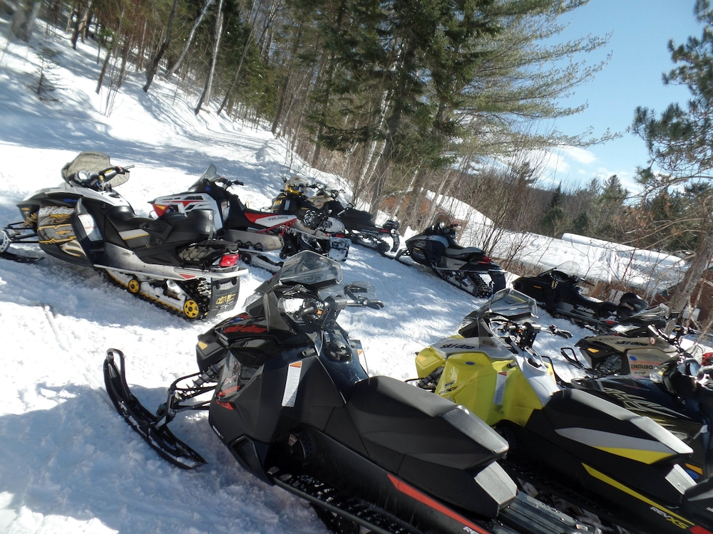 Snowmobiling, HAWKS NEST LODGE AND RESTAURANT