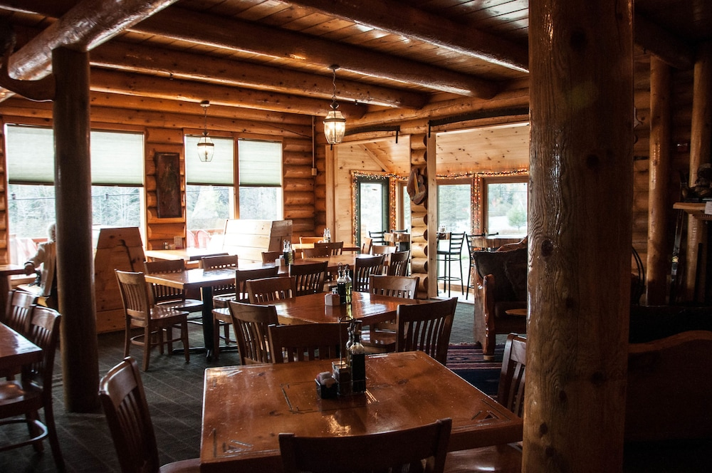 Dining, HAWKS NEST LODGE AND RESTAURANT