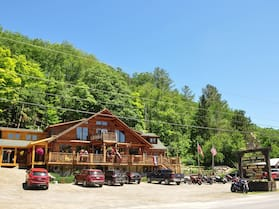 HAWKS NEST LODGE AND RESTAURANT